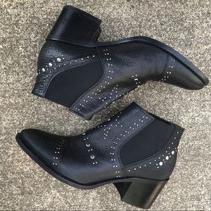 Andre Assous Ankle Boots 9